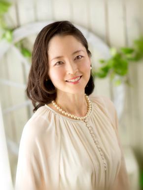 朝妻 亜希子(あさづま あきこ)
